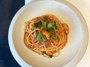 空芯菜とムール貝のトマトソース