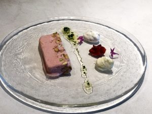 苺のセミフレッド ミントオイル